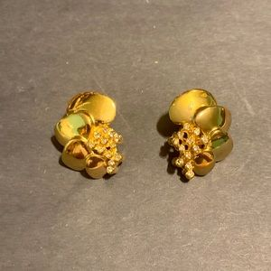 Avon gold tone 4 Heart Cascade rhinestone earrings